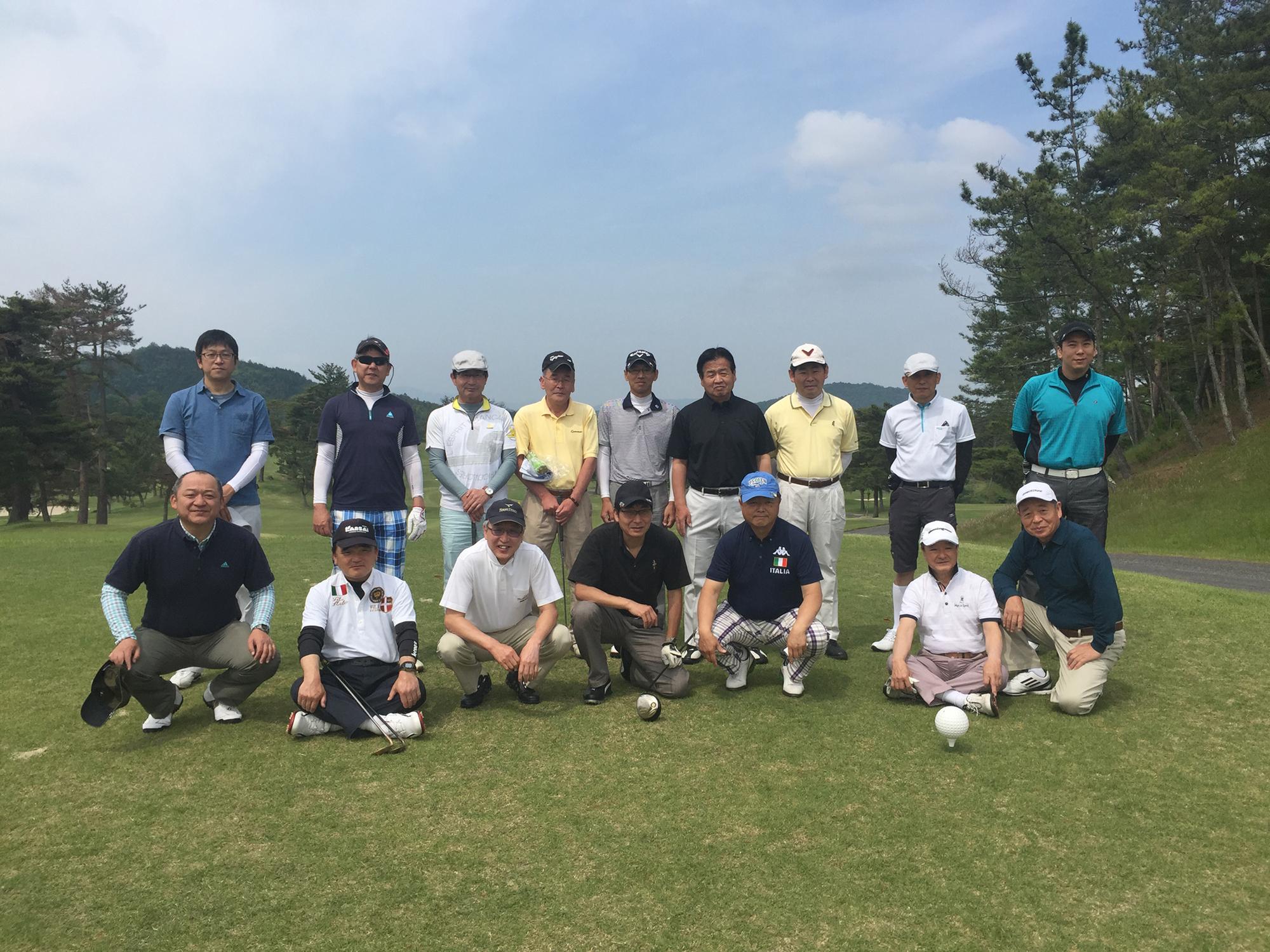 平成28年度第1回GATゴルフコンペ 晴天の中16名の参加で楽しくゴルフが出来ました。